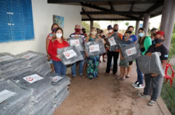 Aquece Cuiabá destina cobertores a idosos, comunidades e população em situação de rua durante frente fria