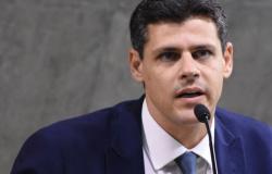 Ministério: Bolsa Família perto de R$ 300 comprimiria investimentos