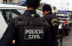 Polícia Civil apreende 5 tijolos de maconha, arma de fogo e prende 7 suspeitos durante averiguação de uma denúncia