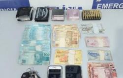 PM prende 3 homens com munições e R$ 9 mil em Corolla
