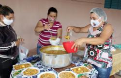 Famílias do Jardim Paiaguás II são atendidas por força-tarefa; rede de solidariedade auxilia ação