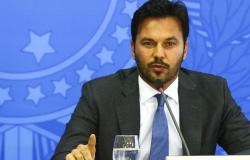Ministro Fabio Faria esclarece uso de recursos para ações contra covid