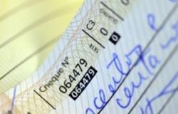 Juros do cheque especial e crédito não-consignado caem em julho