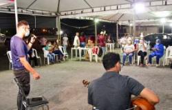 Semana de hora estendida no polo de vacinação SESI Papa termina com música ao vivo