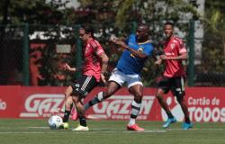 São Paulo fecha semana de trabalhos com jogo-treino no CT