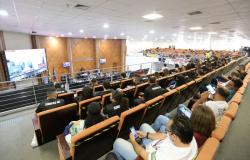 Deputados aprovam lei orçamentária de 2022 em primeira votação