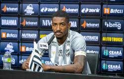 """Gabriel Santos é apresentado oficialmente: """"Estar aqui é a realização de um sonho"""""""