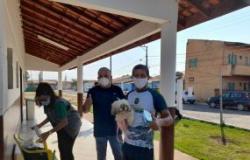 Em parceria com associação de moradores, Vigilância em Zoonoses realiza campanha de vacinação antirrábica no Residencial Marechal Cândido Rondon
