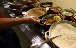 Prefeitura de SP vai manter distribuição de marmitas