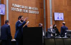 Ulysses Moraes realiza segunda fiscalização em escola estadual de Sinop que teve início das obras em 2013
