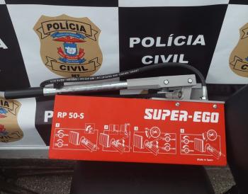 Receptador é preso em flagrante após tentar vender produto furtado ao dono do equipamento