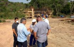 Etapa de fundação é superada e ponte na comunidade do Batec deve ser entregue no fim deste ano