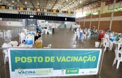 Pessoas com idades entre 18 e 29 anos começam a ser vacinadas contra Covid-19 em Cuiabá