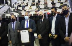 Vereadores entregam moção de aplausos pelos 110 anos das Assembleias de Deus