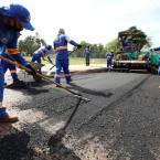 Prefeitura finaliza pavimentação no Jardim Gramado e inicia trabalhos complementares para entregar obra completa