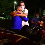 hauahuahauhauhauahhauhauahuahuahauhuSensibilizado, Emanuel Pinheiro quita débitos de moto apreendida e devolve veículo para entregador na capital