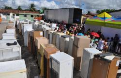 Energisa informa que vai trocar geladeiras velhas por novas de 450 famílias