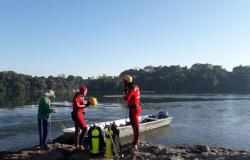 Adolescente pula em rio para salvar banhista e acaba morrendo afogado