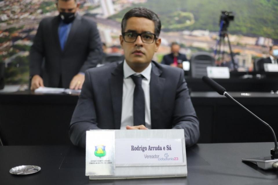 Vereador Rodrigo Arruda e Sá apresenta projeto que visa criar creche do idoso em Cuiabá
