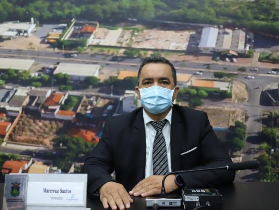 Marcrean Santos quer o fim da cobrança da taxa de ocupação de solo da categoria de transporte escolar