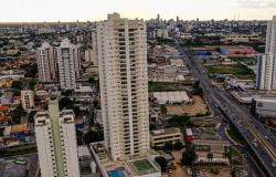 Medidas adotadas em Cuiabá são mais flexíveis que as decretadas pelo governo; veja