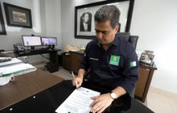 Pinheiro amplia horário de funcionamento do comércio, libera cinemas e eventos sociais e corporativos