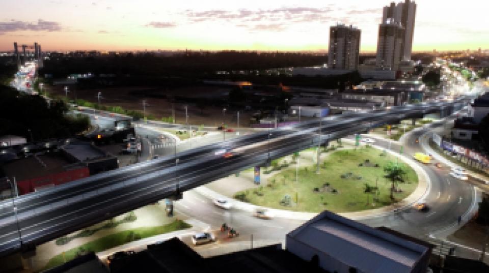 Viaduto Murilo Domingos garante total fluidez do trânsito; veja fotos