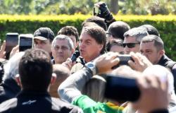 Bolsonaro: 'Renan Calheiros é vagabundo, e Lula é ladrão'