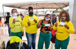 Prefeitura inicia imunização de 950 trabalhadores da limpeza urbana, garis e catadores de recicláveis