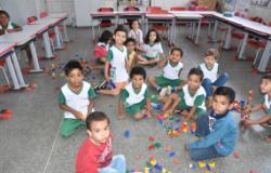 Estudantes da rede pública municipal de Ensino participam de movimento pela conscientização da importância de brincar