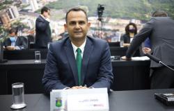 Vereador faz desabafo e sugere carroças como modal de transporte em Cuiabá
