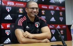 Alex é inscrito no BID da CBF e já pode comandar o Sub-20 do São Paulo em competições oficiais