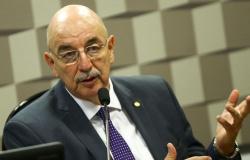 """CPI quer ouvir ex-ministro Osmar Terra sobre """"gabinete paralelo"""""""