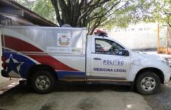 Mulher é achada morta com perfurações de faca por todo corpo em Cáceres