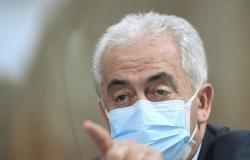 Senador critica ministro da Saúde por não ter lido bulas das vacinas