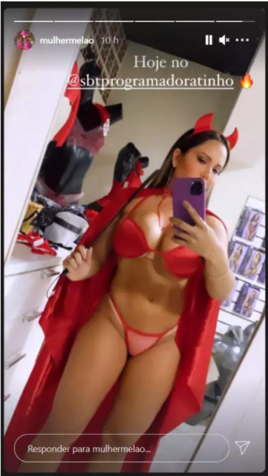 """Mulher Melão mostra fantasia de 'diabinha' usado no """"Programa do Ratinho"""""""