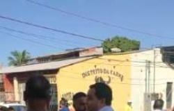 Vereador é chamado de oportunista por manifestantes em Cuiabá; veja vídeos