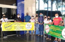 Servidores do Judiciário protestam na AL contra PEC-32 que altera itens da carreira