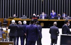 Presidenciáveis criticam retomada das coligações proporcionais