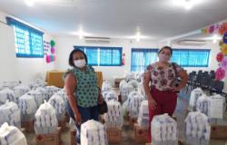 Educação distribui kits de biossegurança nas unidades escolares