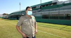 Pinheiro libera treino do Santos no Dutrinha em homenagem a torcida e aos tempos em que Pelé jogou no estádio