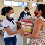 hauahuahauhauhauahhauhauahuahuahauhuFamílias de Nova Olímpia são beneficiadas com kits de alimentos