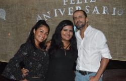 Giulia Ramos comemora aniversário com familiares e amigos