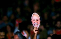 Dinheiro público banca movimento Lula Livre, passagens de avião e hospedagens