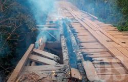 Motoristas atearam fogo em ponte na MT-339 entre Tangará e Nova Olímpia