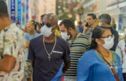 Uso obrigatório de máscara vale a partir desta 2ª em MT; governo fará campanha e prevê multa