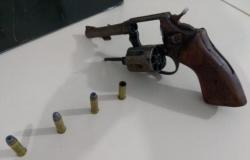 Segundo suspeito de participar de assalto a mercado é preso e arma de fogo apreendida em região de mata no Jardim Shangri-lá