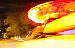 Ladrões armados assaltam farmácia em Tangará da Serra; eles renderam as pessoas, roubaram dinheiro e celulares