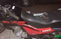 Dupla rouba motocicleta para assaltar casa no Parque das Mansões e acaba presa pela PM em Tangará da Serra