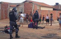 Acidente entre carro e moto deixa entregador ferido em Tangará da Serra